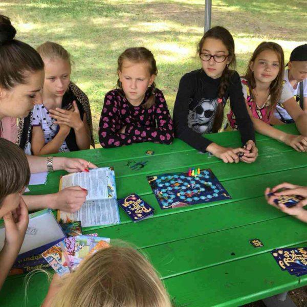 Детские игры в лагере Полочанка