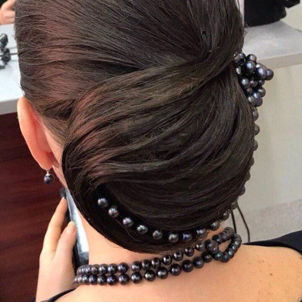 Женская причёска с украшением Минск