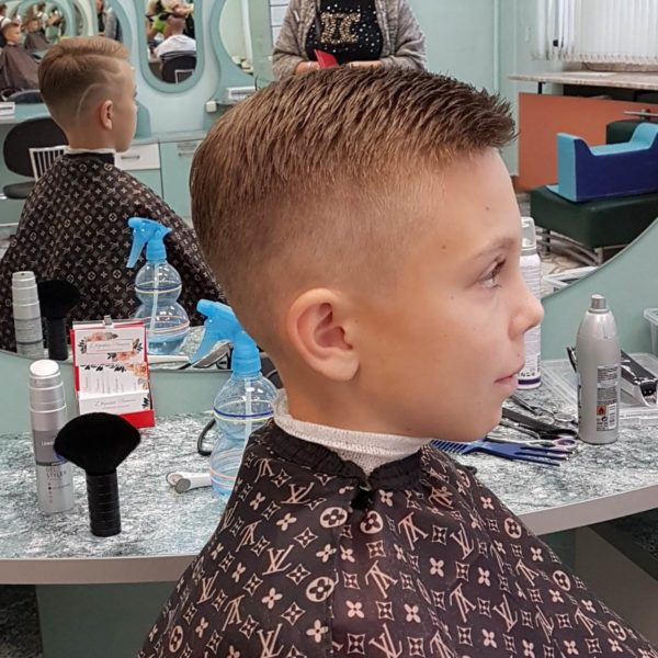 Рельефная стрижка для мальчика